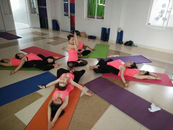 lop-yoga-tai-cong-ty
